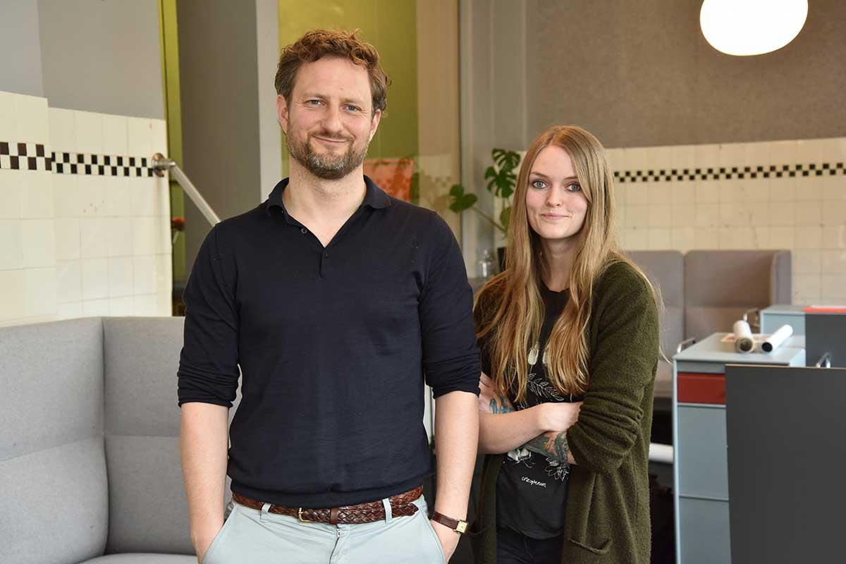 Torkel Selmer (daglig leder og medeier) og Michelle Birtwistle Nilsen (filmsjef) er Selmer Media. Foto: John Berge