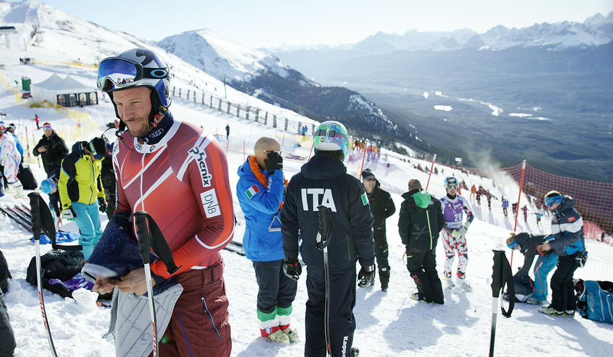OPP- OG NEDTURER: Vi får følge flere av Aksel Lund Svindal sine opp- og nedturer fra konkurranse, men også hans sprell i bratte fjellterreng.