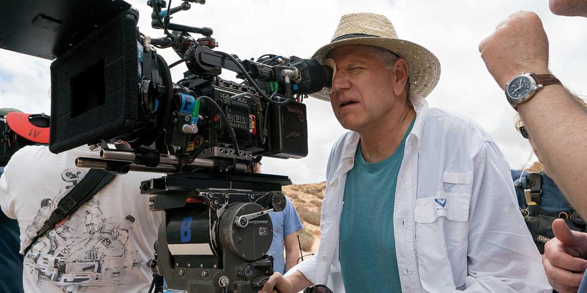 Regissør Robert Zemeckis under innspillingen av Allied.