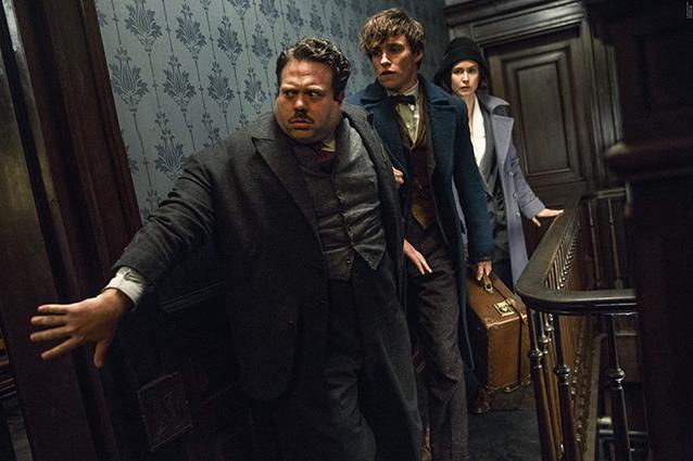 Newt Scamander (Eddie Redmayne), Credence (Ezra Miller) og Jacob Kowalski (Dan Fogler).