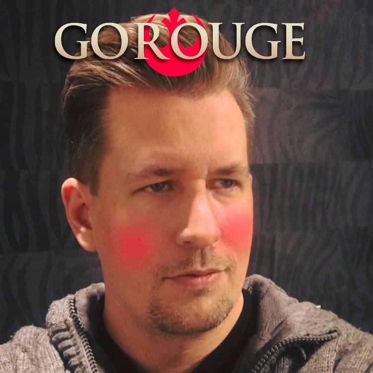 Christian Ranke leder fanklubben Star Wars Norge. Her spiller han på den ofte feilskrevne filmtittelen –det er nemlig stor forskjell på Rouge og Rogue (og det er sistnevnte som er riktig i filmtittelen Rogue One: A Star Wars Story). Foto: Privat