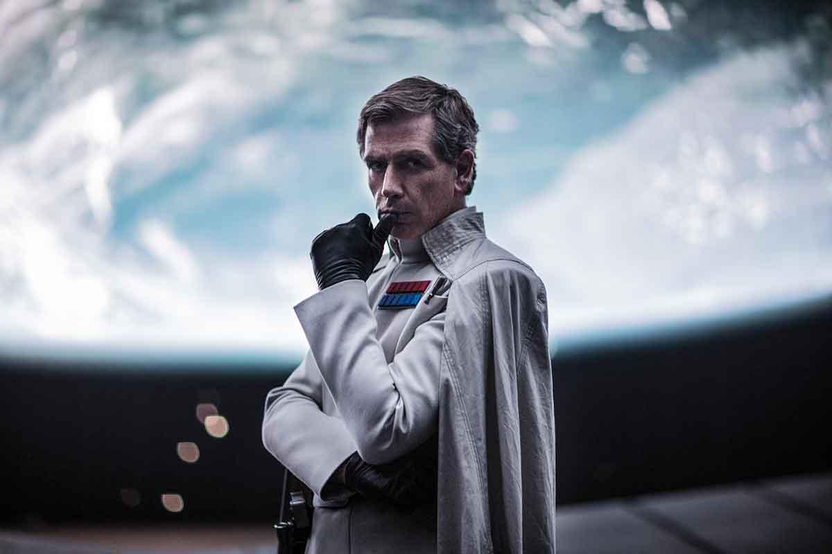 HERLIG SKURK: Ben Mendelsohn som Dødsstjerne-sjefen Orson Krennic.