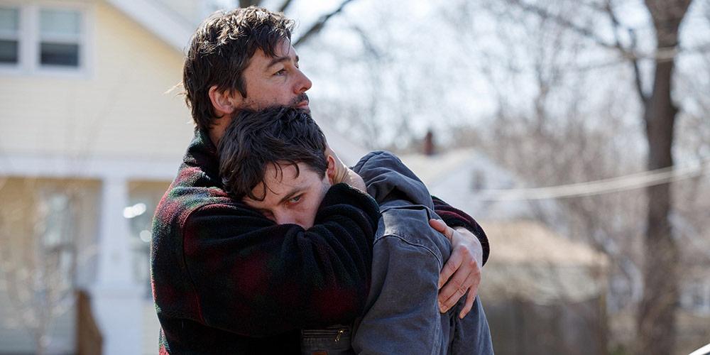 Kyle Chandler som Joseph «Joe» Chandler, broren til Lee Chandler (Casey Affleck).