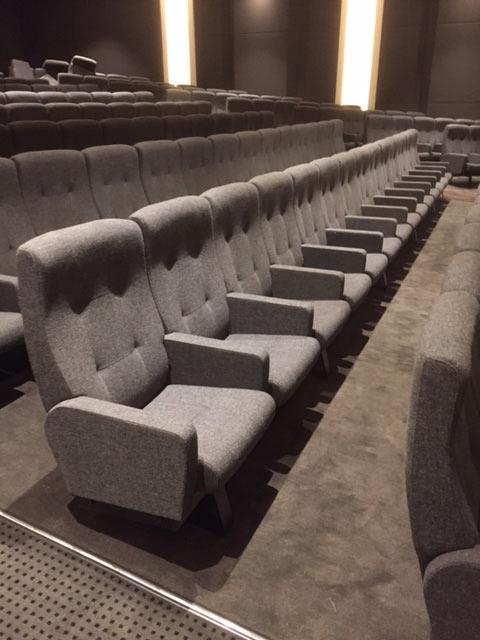 Norsk stoldesign til Hollywood: Skeie Solist-stolene på plass i Silver Screen Theater i Hollywood, USA. Foto: Skeie.