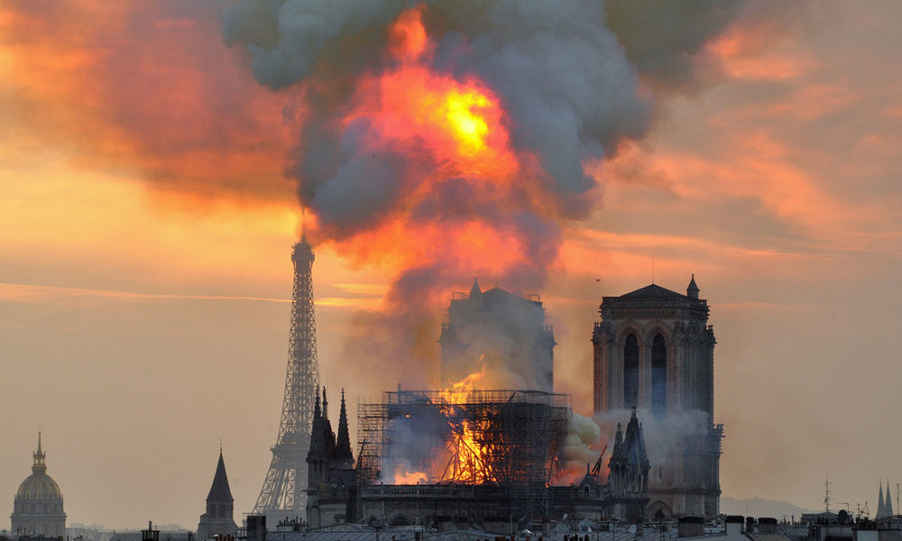 2ebef7c3 Ringeren i Notre-Dame» topper bestselgerlistene etter brann – KM